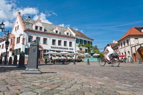 Radfahrer in Deidesheim