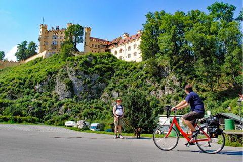 Eurobike Radler vor Schloss Hohenschwangau